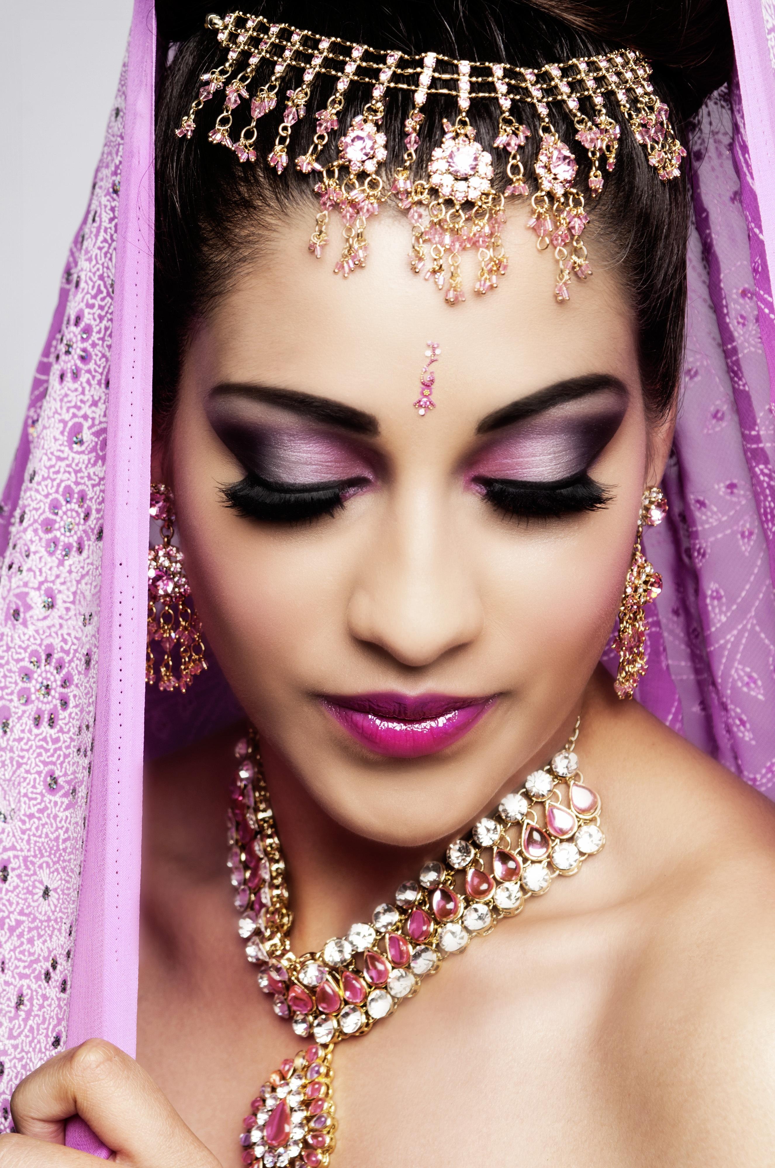 Восточный макияж для женщин