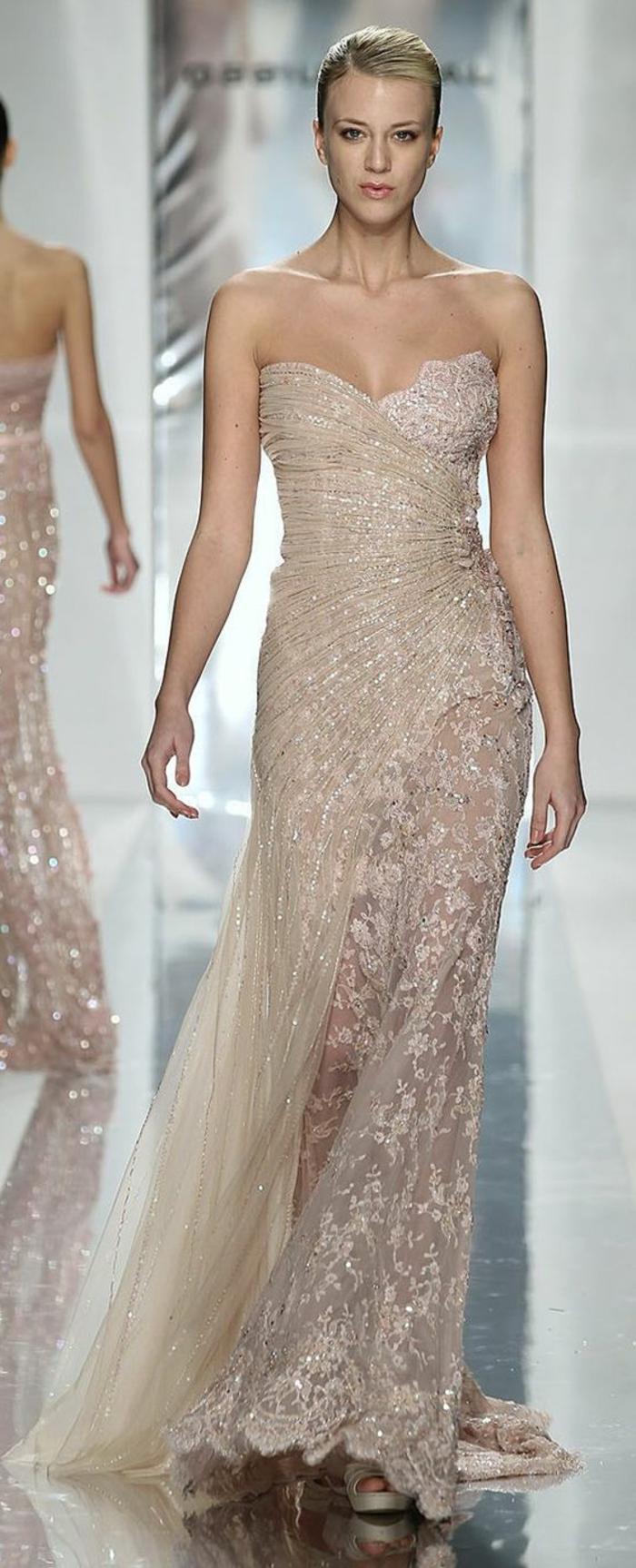 Свадебное платье айвори асимметричное