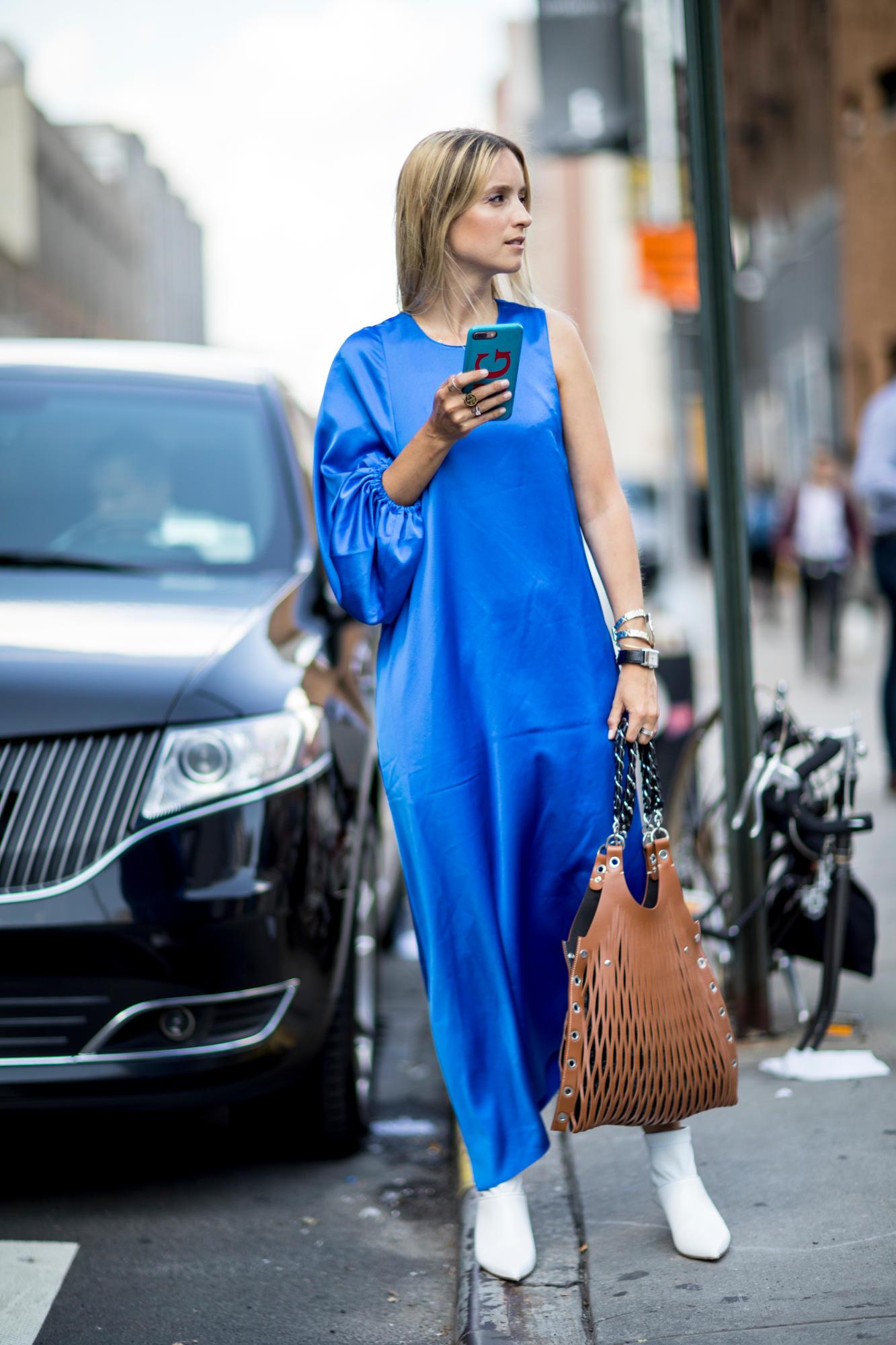 Повседневное платье асимметричное синее