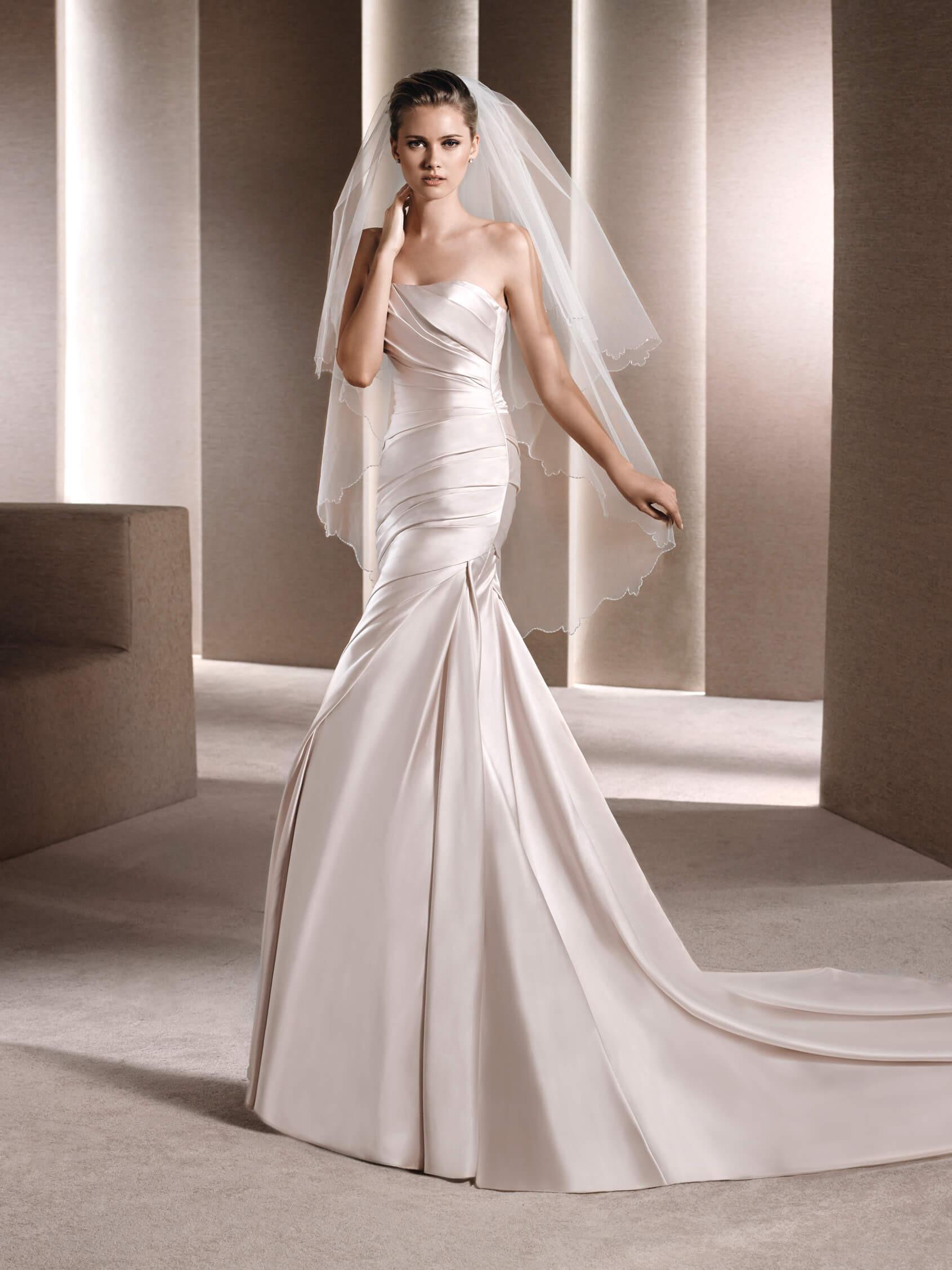 Свадебное платье рыбка атласное