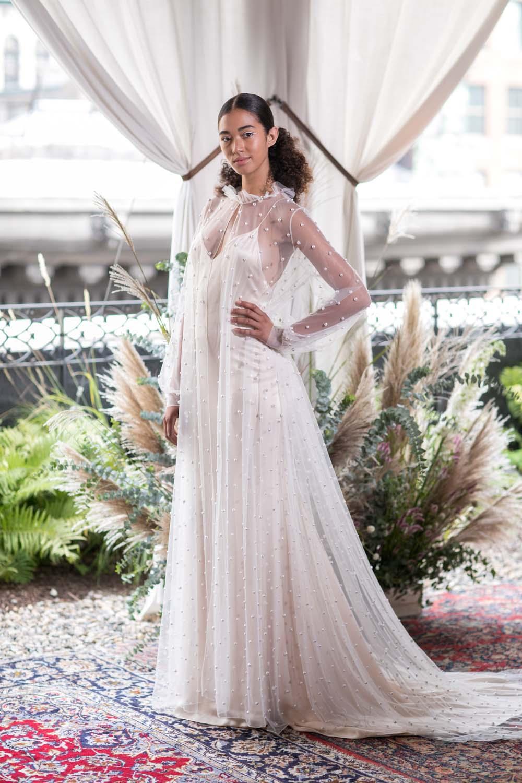 Свадебное платье для беременных в бельевом стиле
