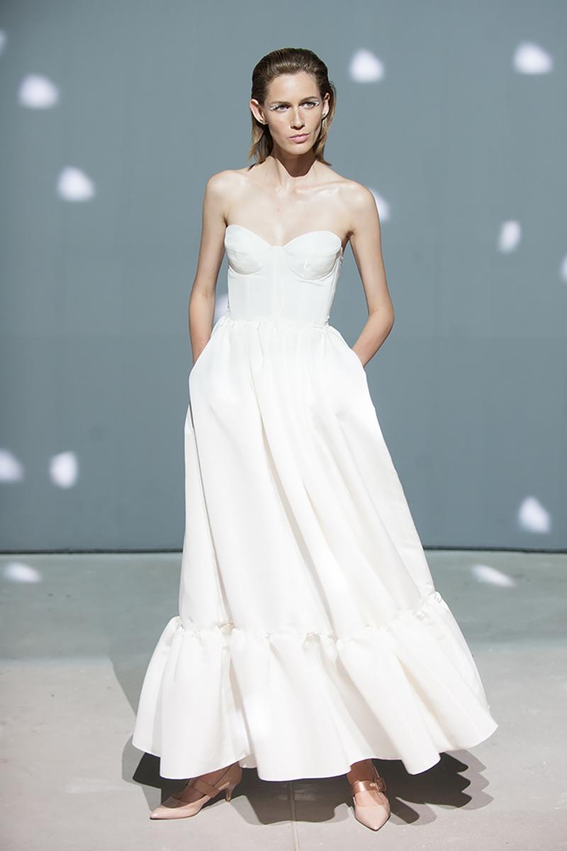 Повседневное платье белое длинное
