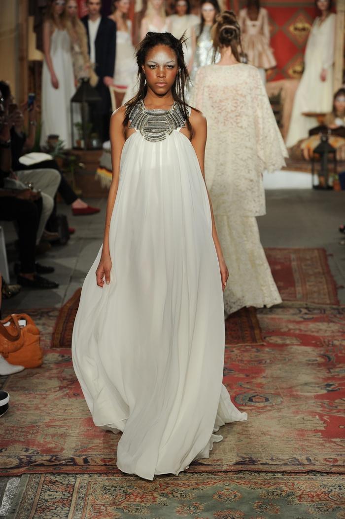 Свадебное платье для беременных в богемном стиле
