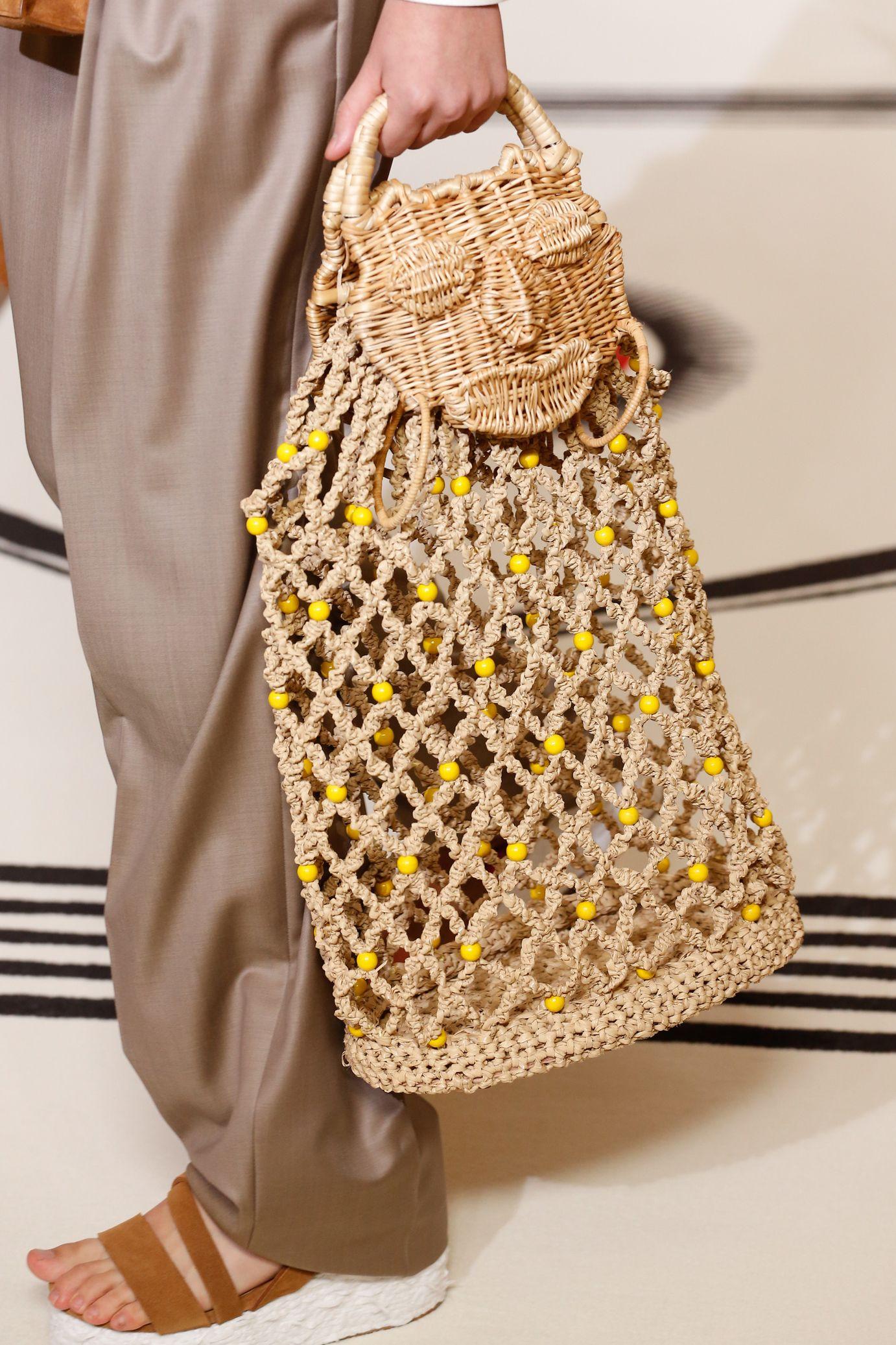 Вязаная сумка с бусинами