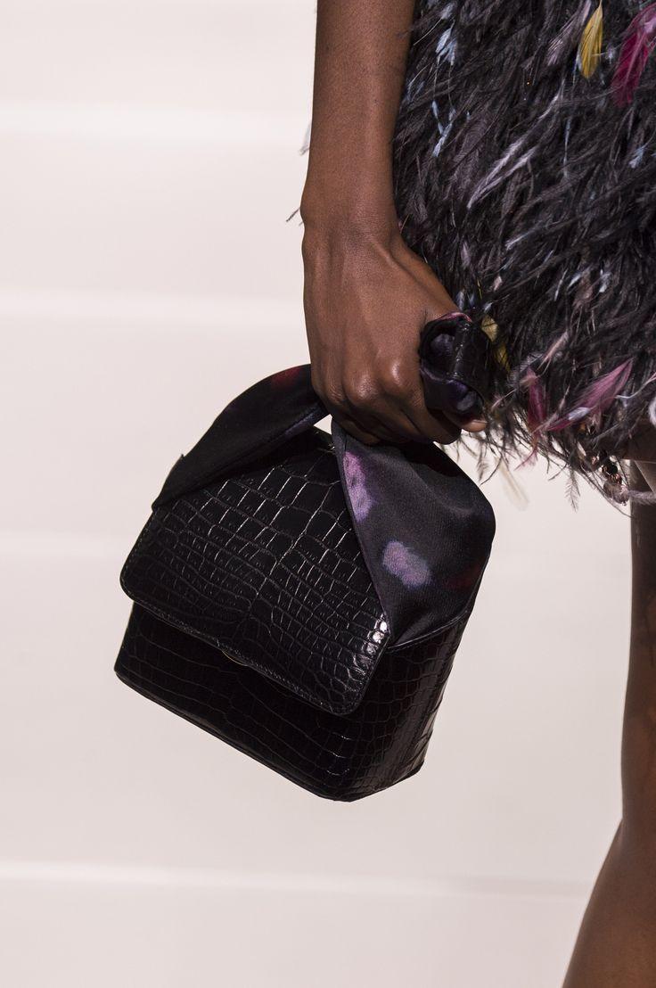 Клатч черный кожа крокодила