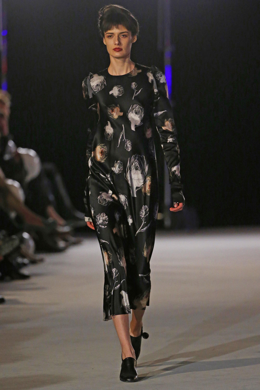 Повседневное платье черное миди
