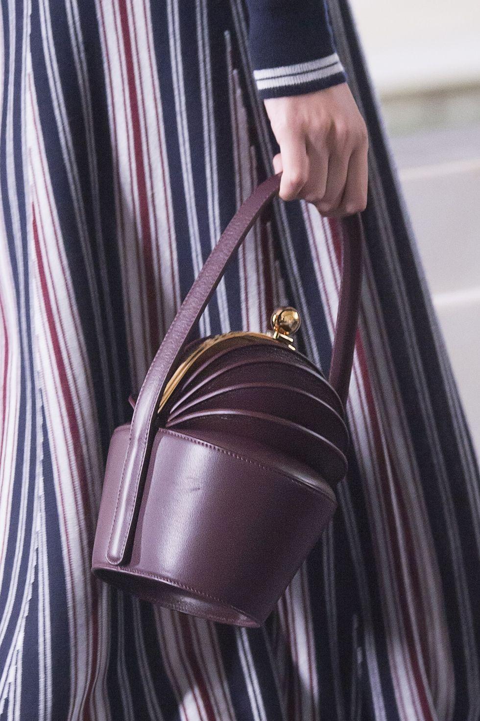 Клатч кожаный фиолетовый
