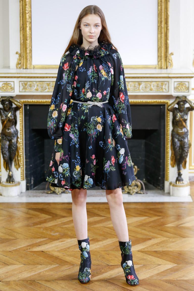 Повседневное платье с рукавами фонариками цветочное