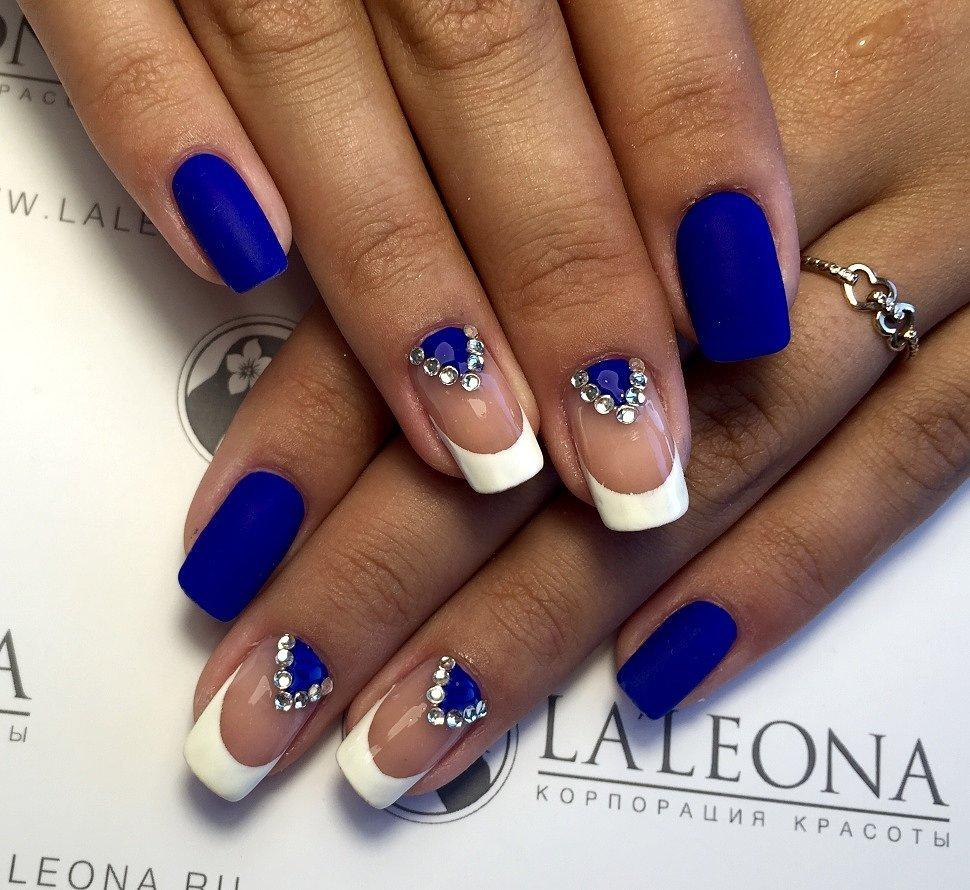Синий маникюр французский двухцветный