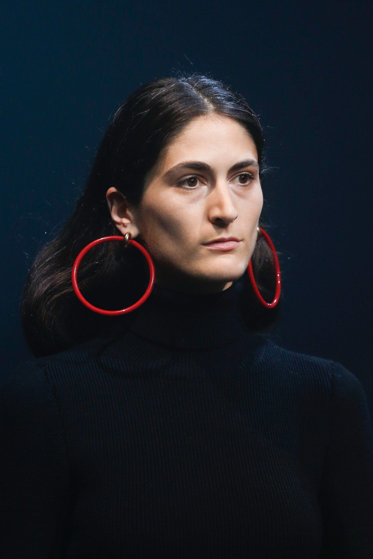 Красные серьги кольца