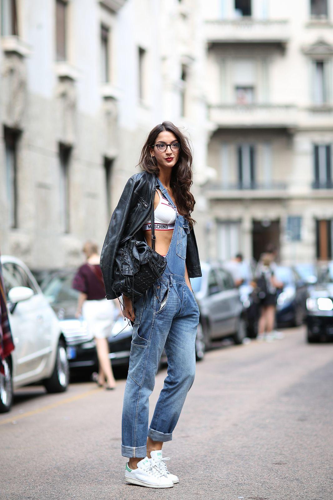Кеды с джинсовым комбинезоном
