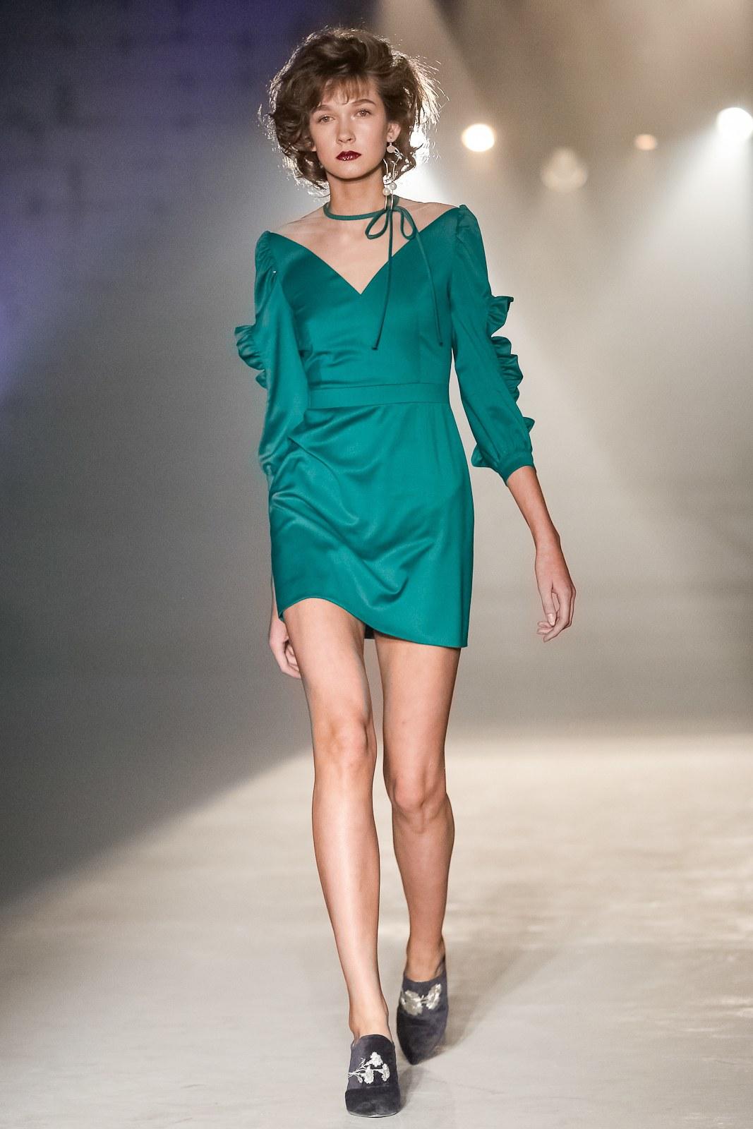 Повседневное платье короткое бирюзовое