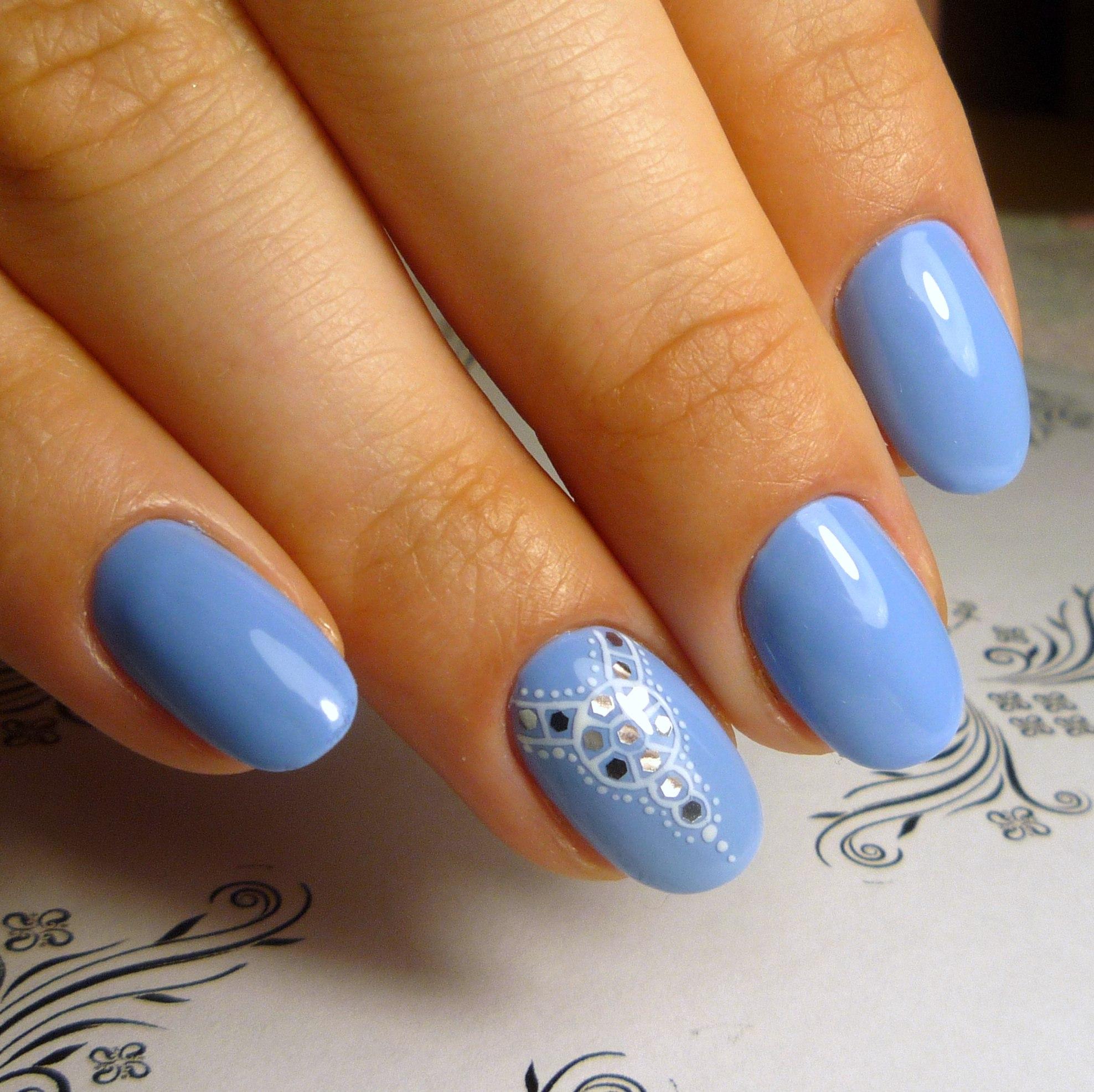 Голубой маникюр красивый