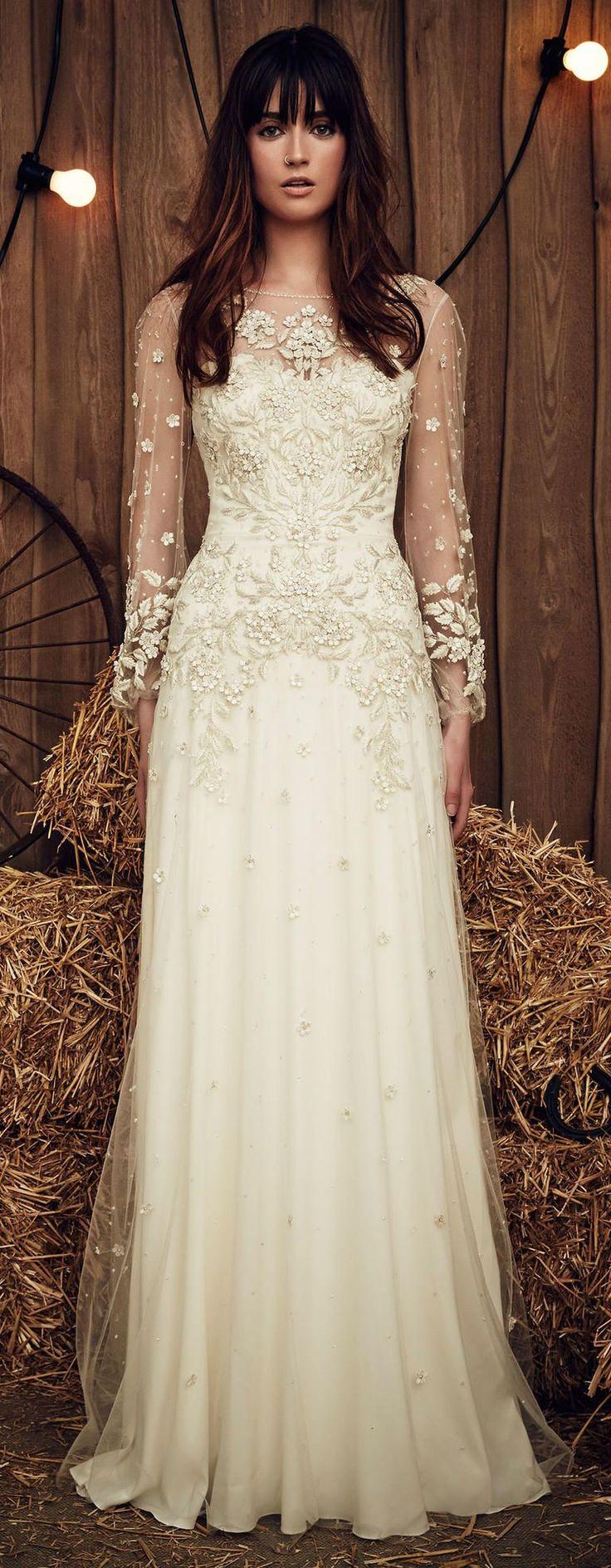 Свадебное платье айвори с кружевными длинными рукавами