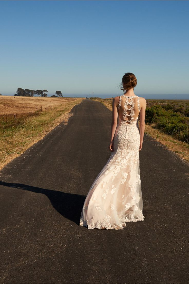 Свадебное платье айвори с кружевом
