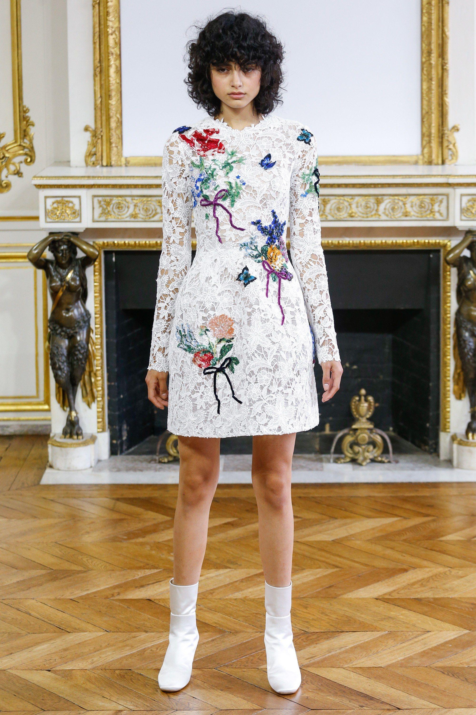 Повседневное платье кружевное с цветами