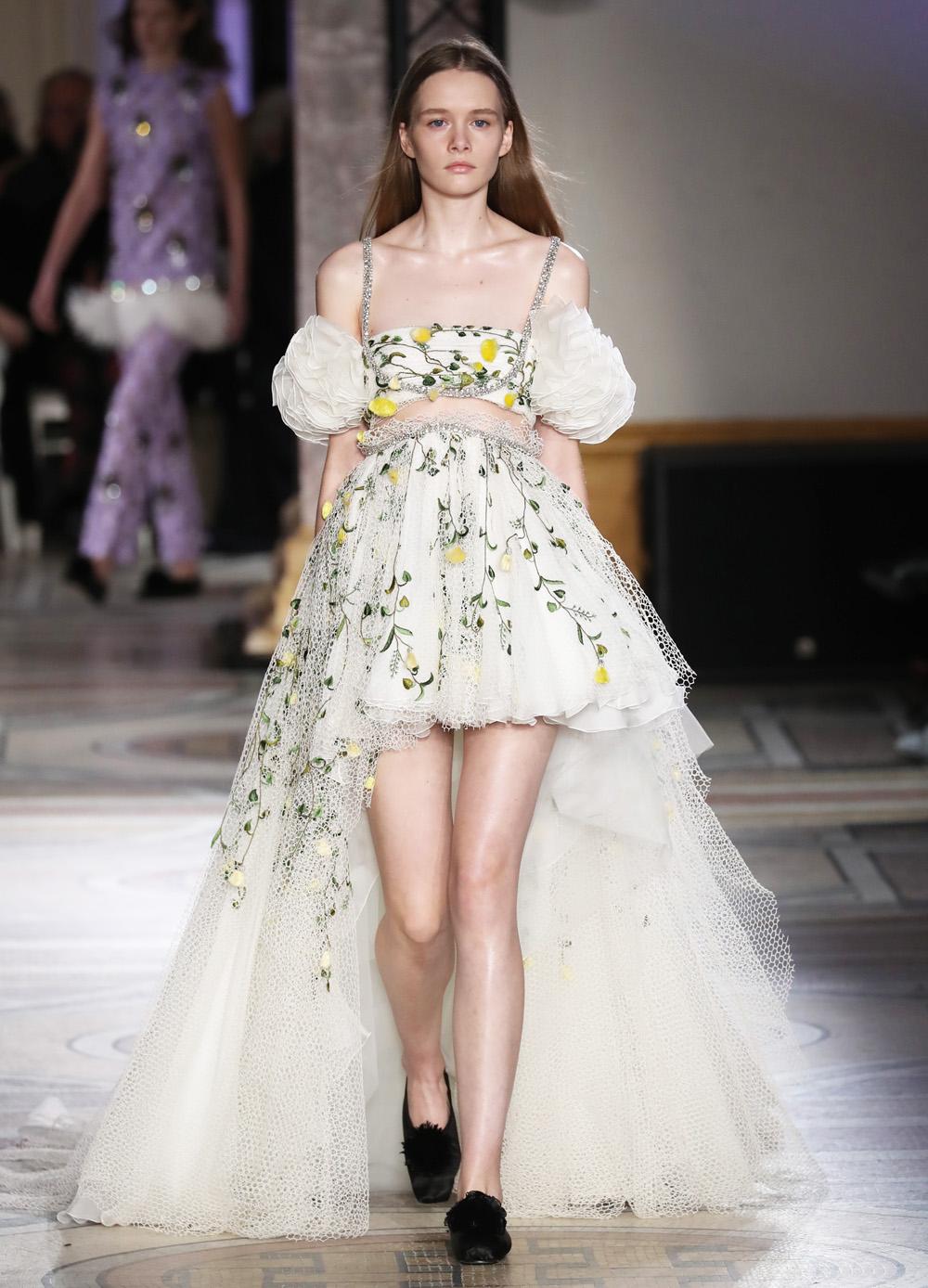 Свадебное платье для беременных мини с цветами