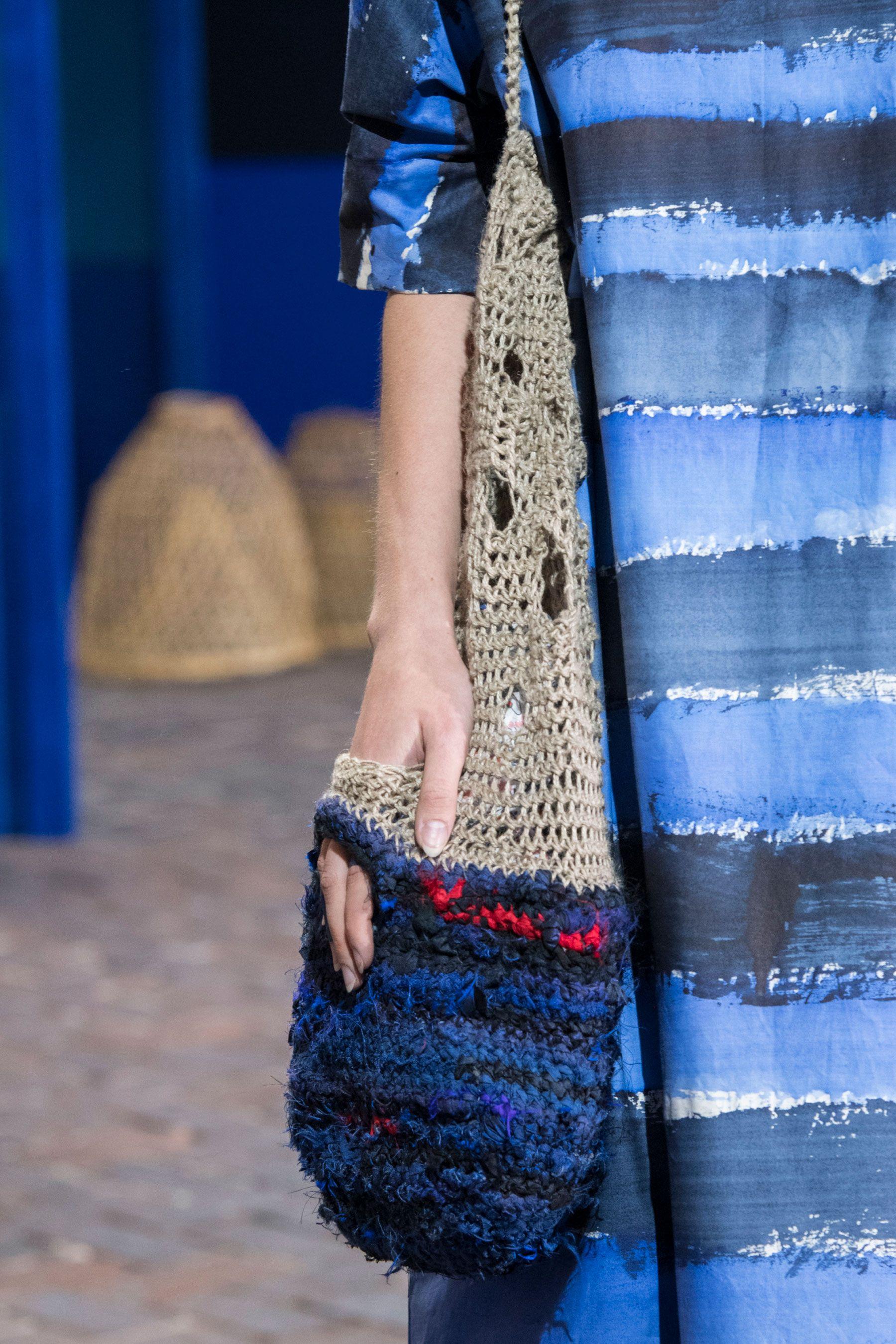 Вязаная сумка модная