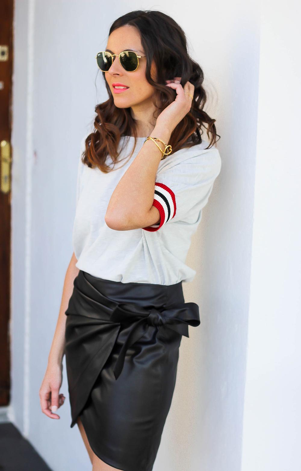 Юбка с футболкой модная