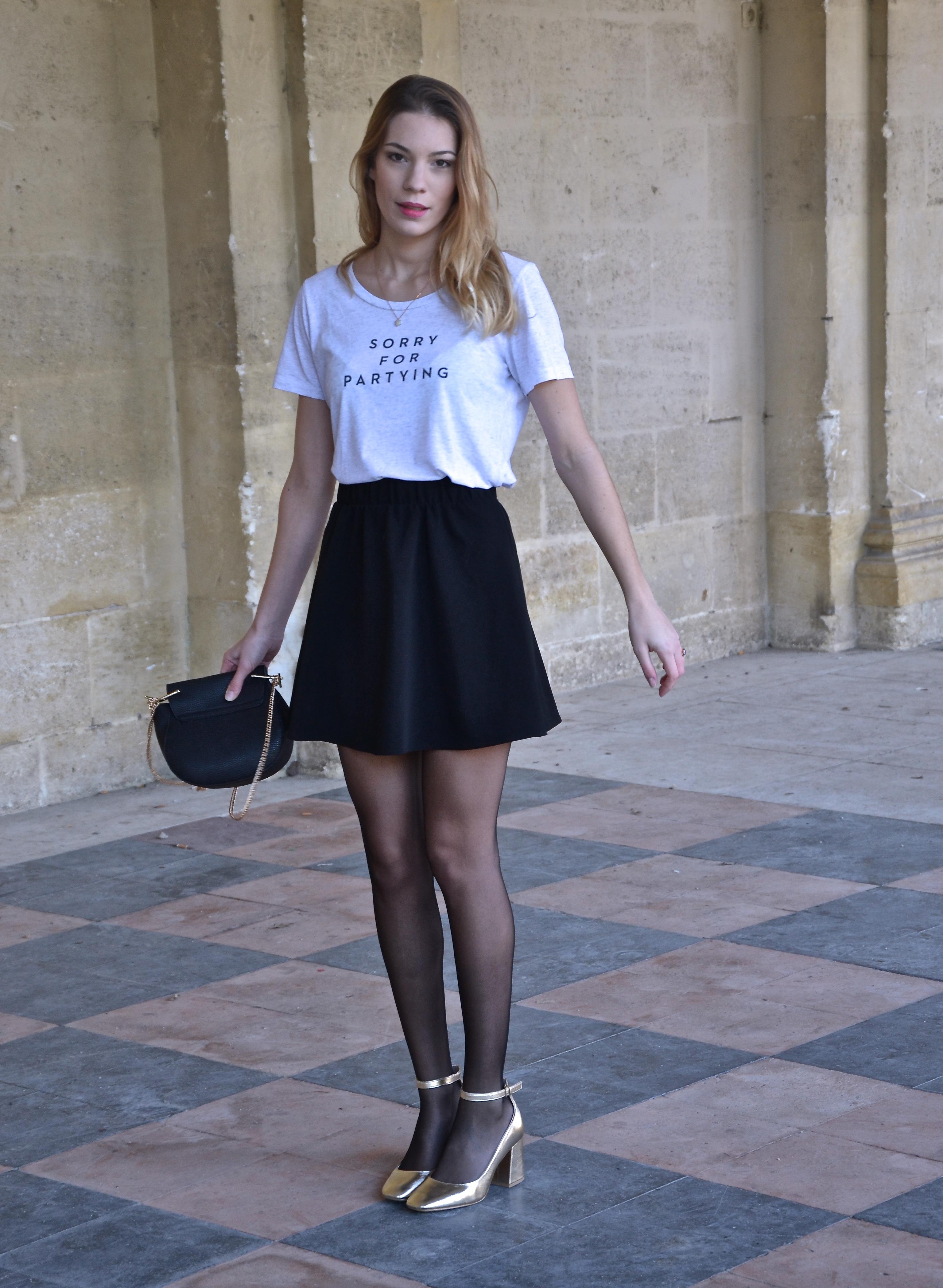 Юбка с футболкой с надписью