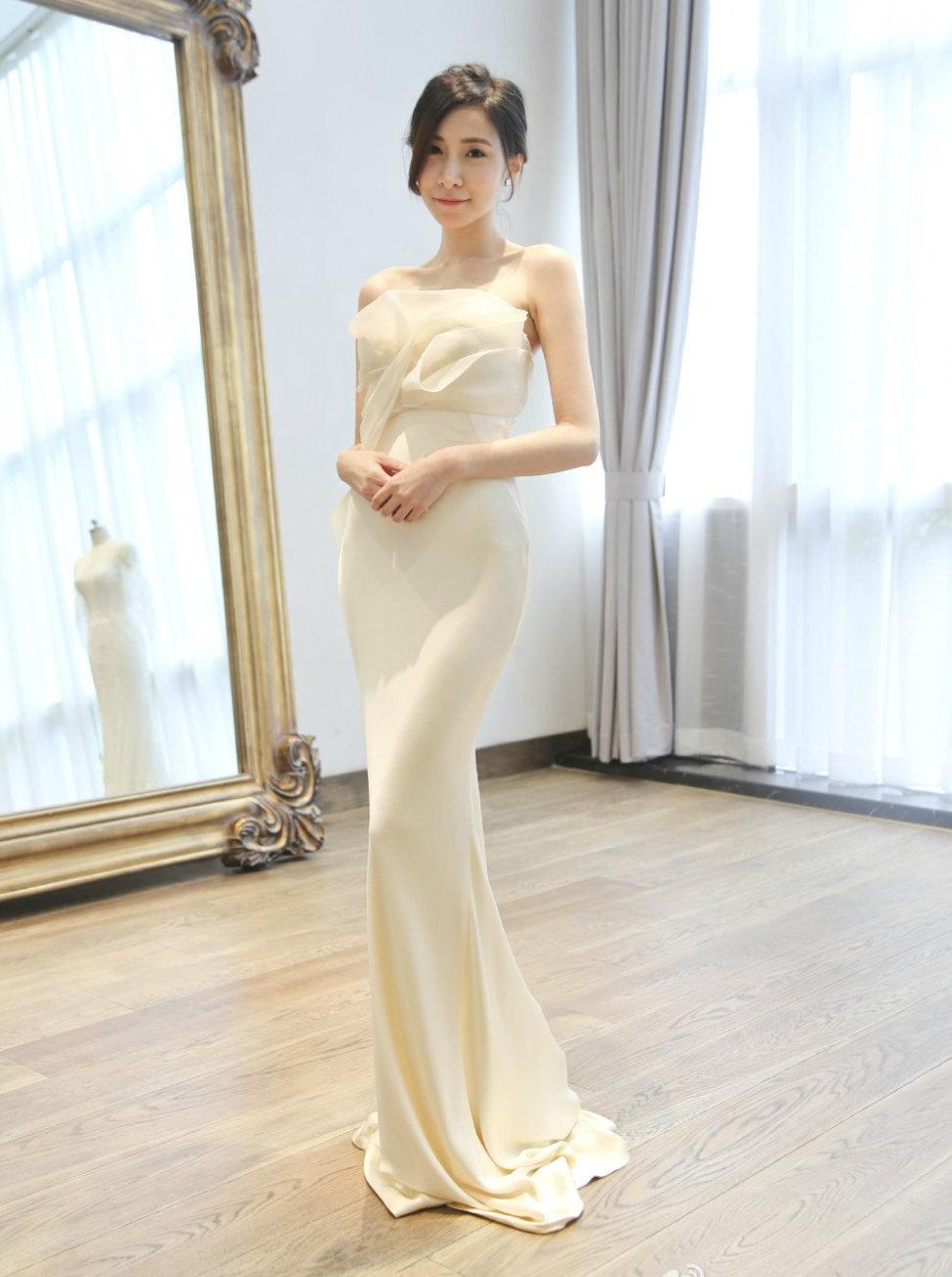 Свадебное платье айвори облегающее