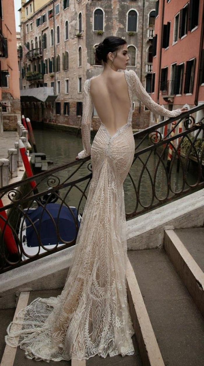 Свадебное платье айвори открытое