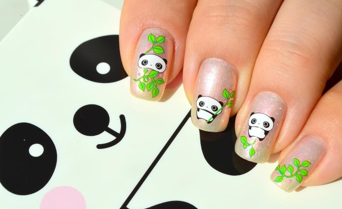 Зеленый маникюр с пандами