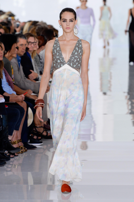 Свадебное платье для беременных в пастельных тонах