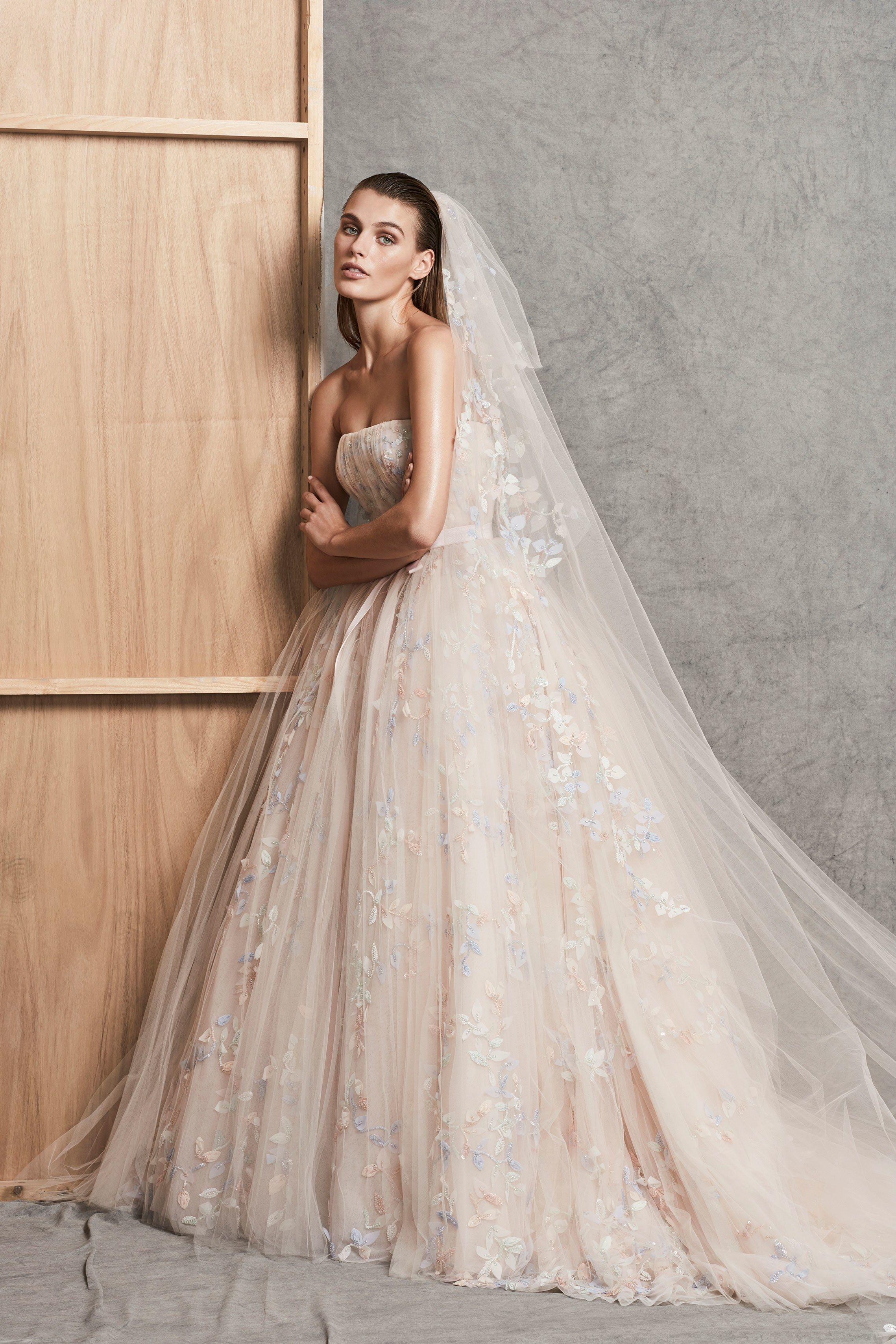 Свадебное платье айвори пастельных тонов