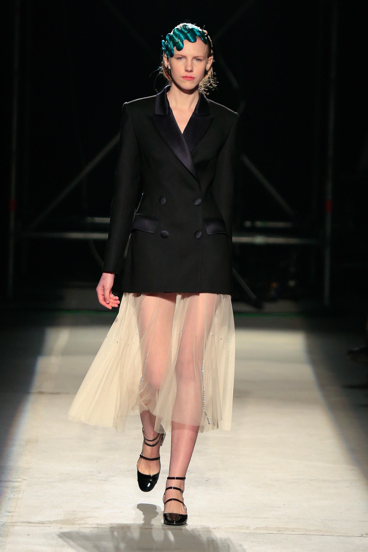 Повседневное платье пиджак черное