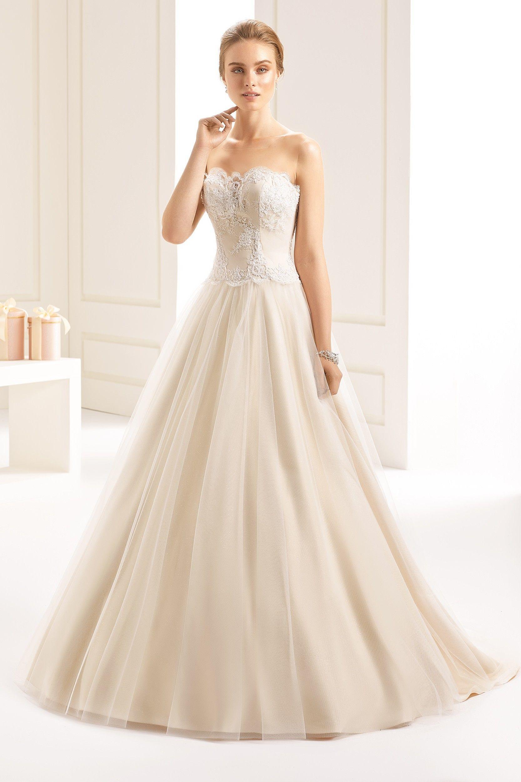 Свадебное платье айвори принцесса