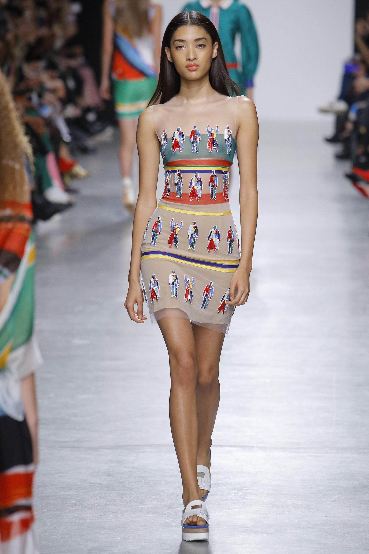 Повседневное платье с принтом короткое