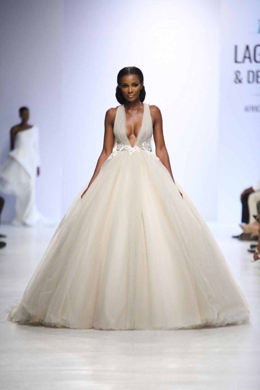 Свадебное платье для беременных пышное из фатина