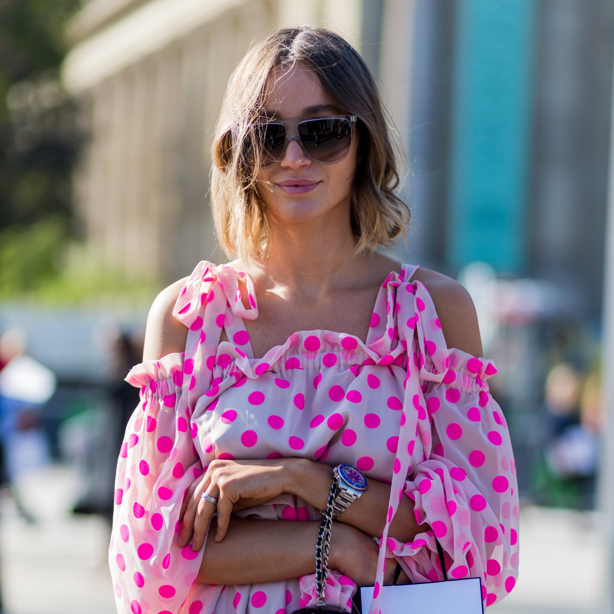 Блузка в горошек розовая