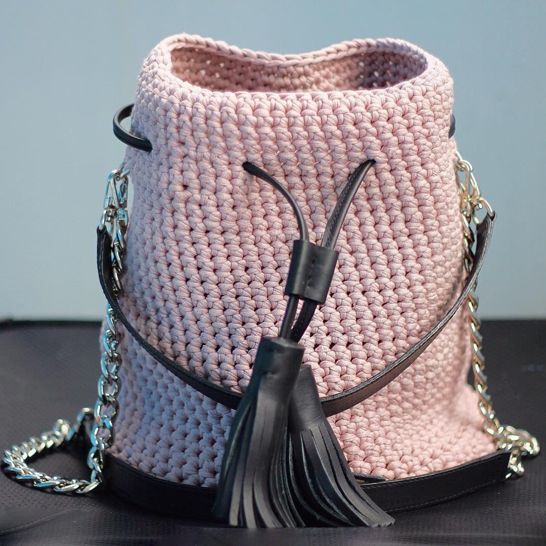 Вязаная сумка розовая