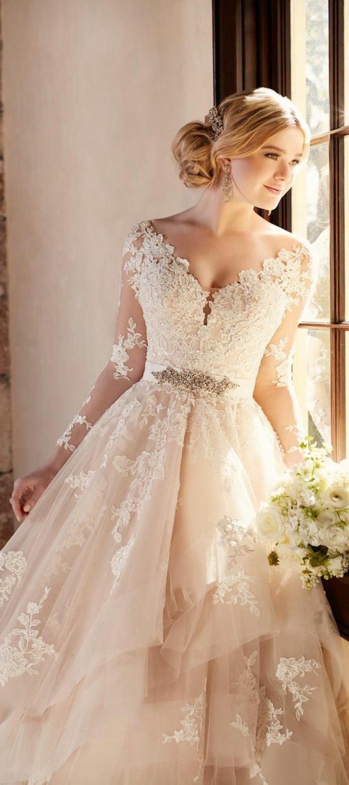 Свадебное платье айвори с рукавами