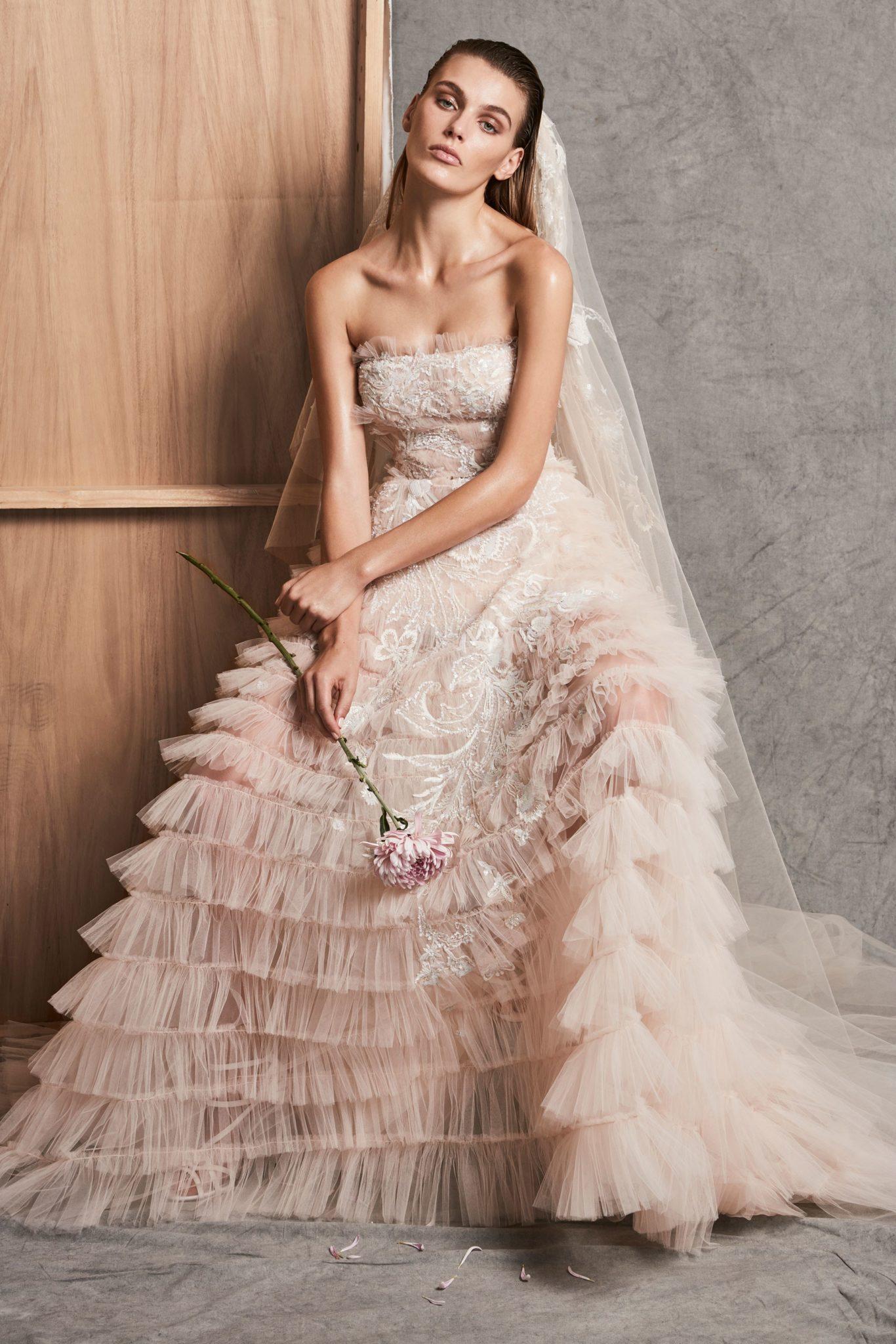 Свадебное платье айвори с рюшами