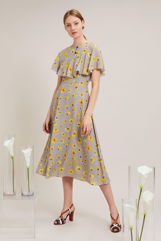 Повседневное платье серое