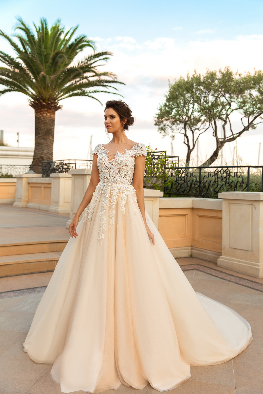 Свадебное платье айвори сезона 2018