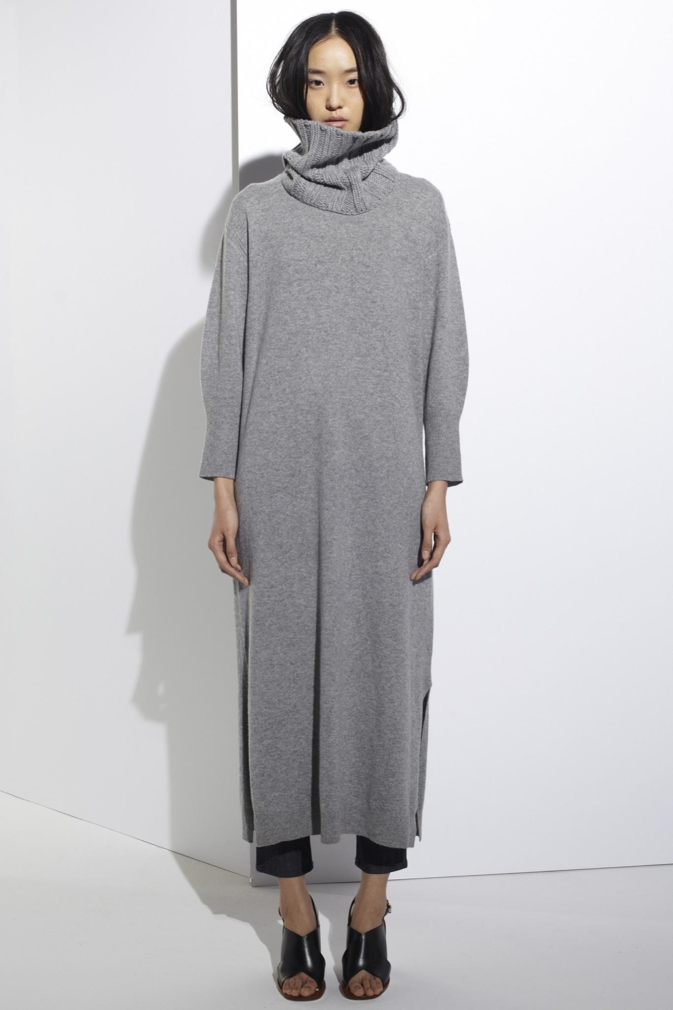 Серое платье шерстяное с рукавом
