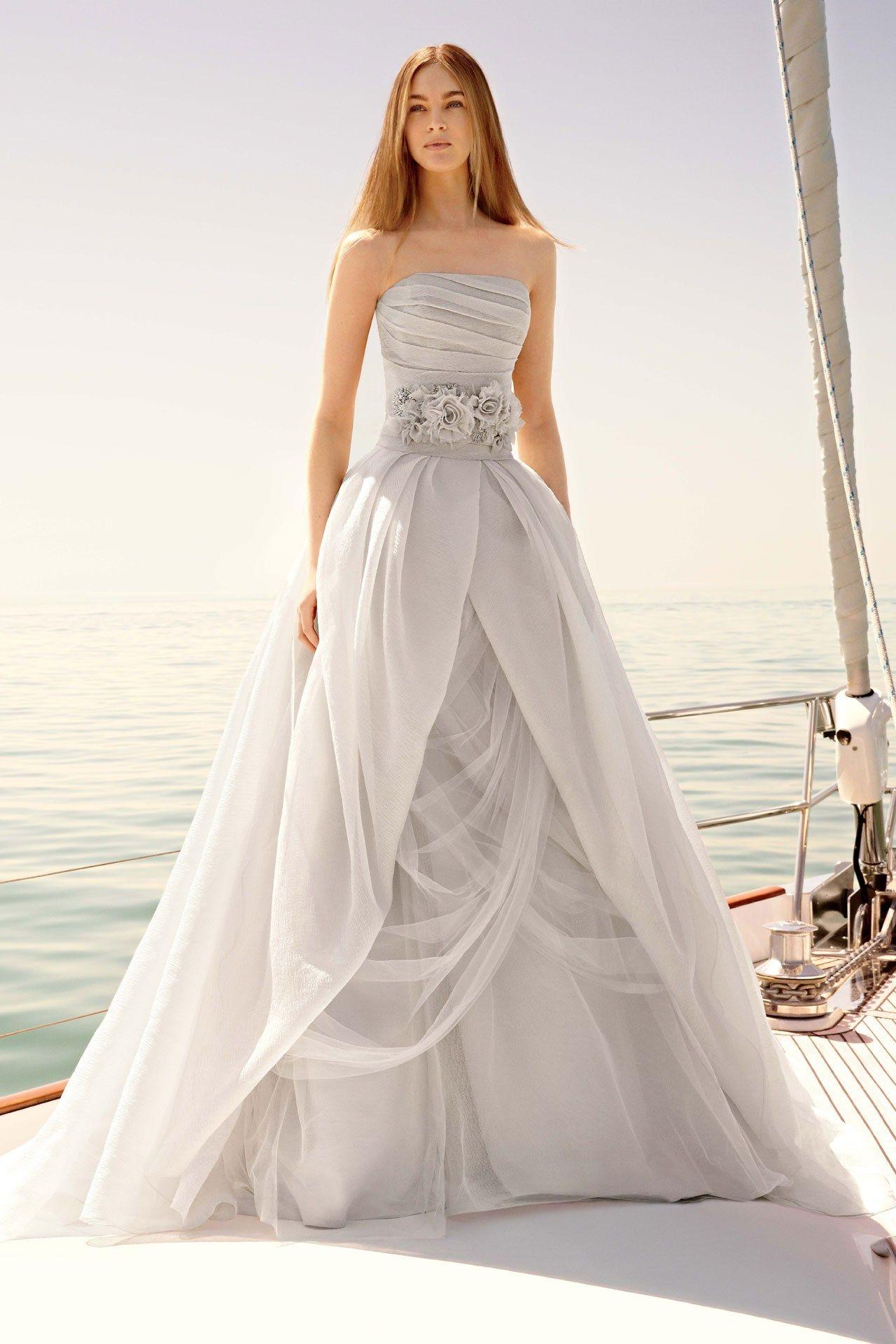 Серое платье свадебное длинное
