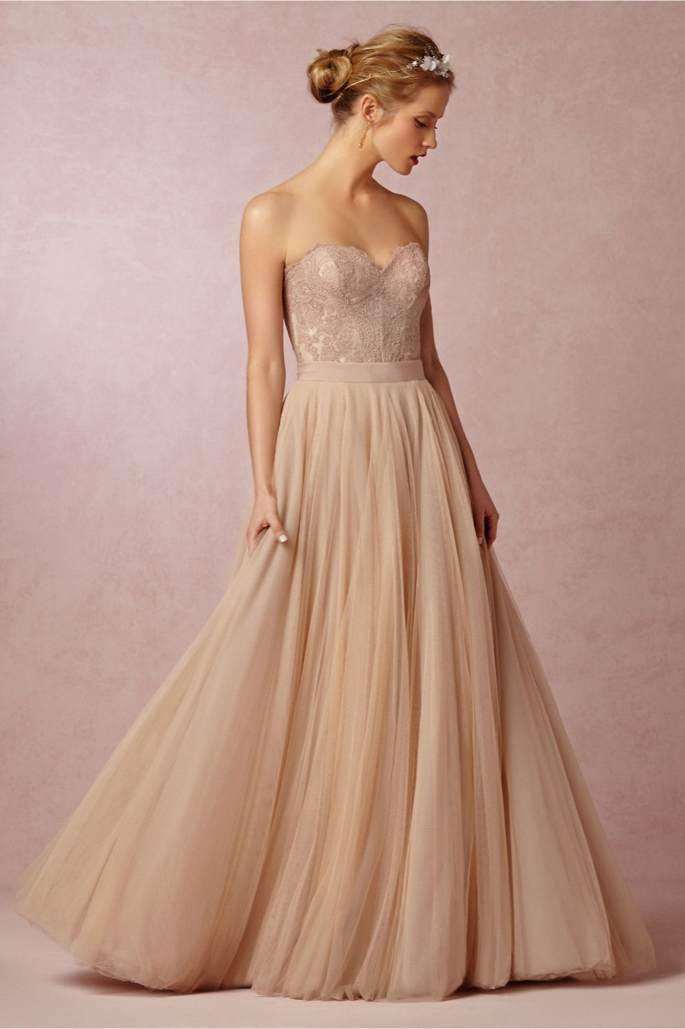 Свадебное платье айвори с пышной юбкой