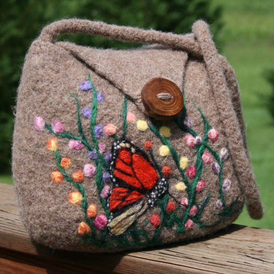 Вязаная сумка из валяной шерсти
