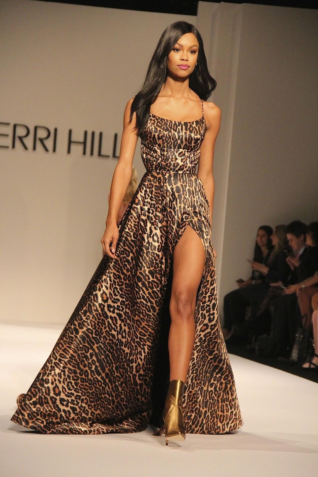 Платье леопардовое вечернее с разрезом