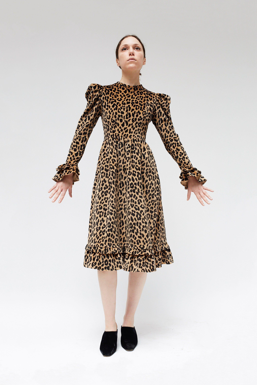 Платье леопардовое с воланами