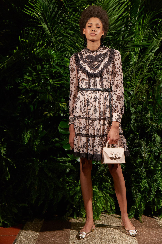 Повседневное платье с воланами цветочное