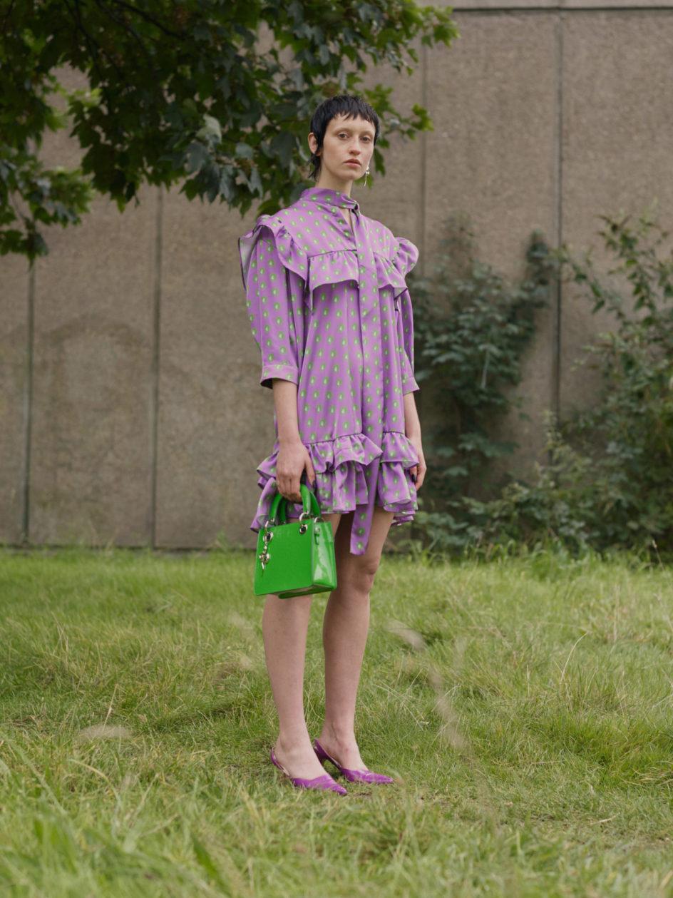 Повседневное платье с воланами в горошек