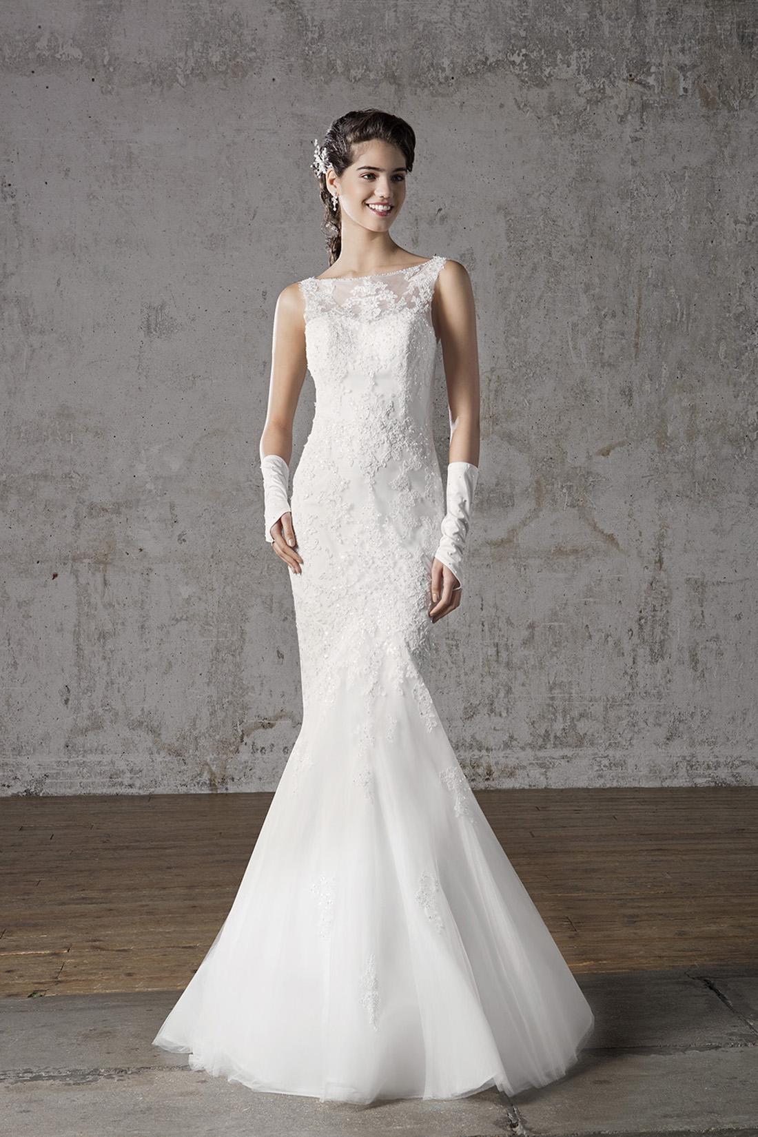 Свадебное платье рыбка с вышивкой