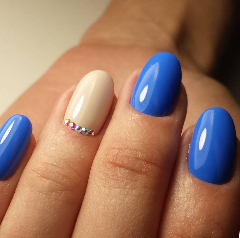 маникюр синего цвета на короткие ногти фото большая беда