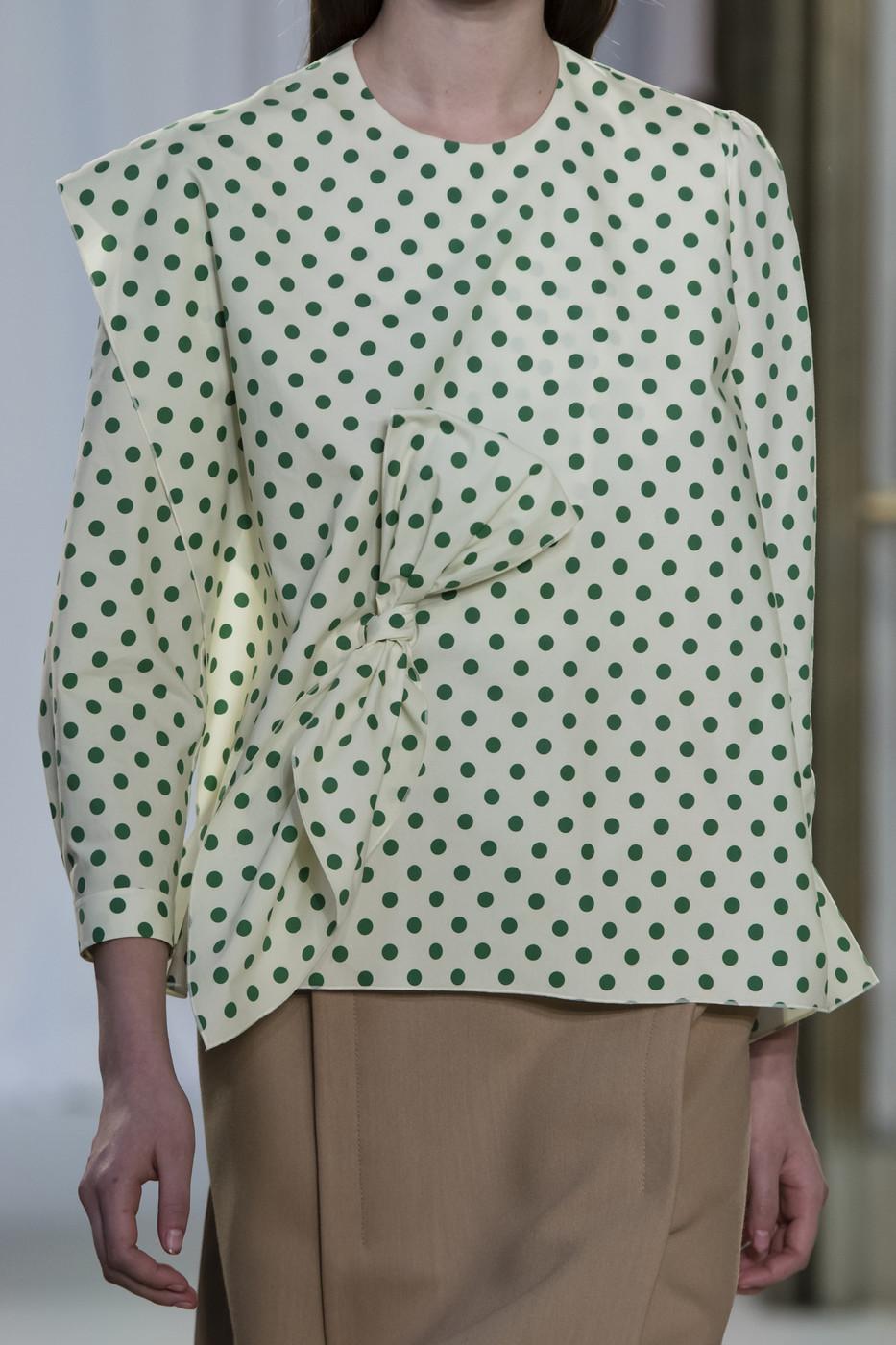 Блузка в горошек зеленый